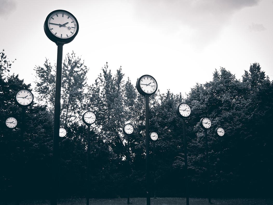 relojes que marcan el tiempo