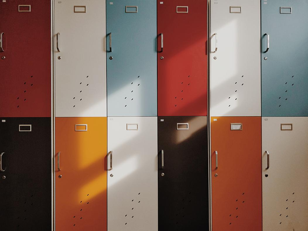 taquillas de un colegio